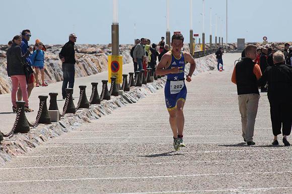 Poissy-triathlon-laidlow