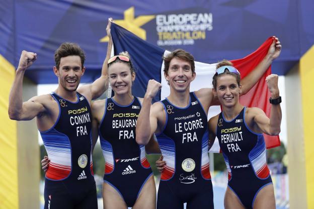 Beaugrand, Périault, Coninx et Lecorre, Champions d'Europe de triathlon en relais mixte